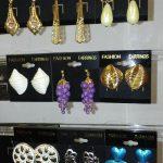 Vintage Avon earrings classic look